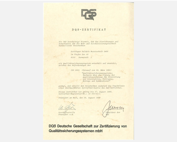 ISO 9001 aus der Historie: Das erste ISO 9001 Zertifikat, ausgestellt von der DQS GmbH in 1986