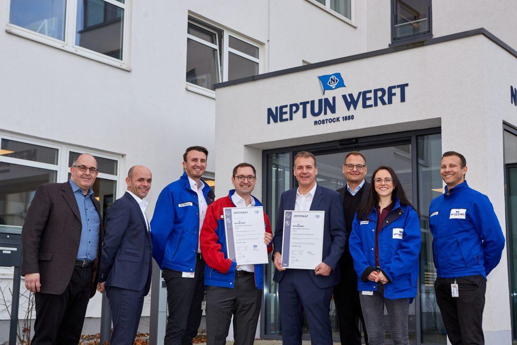Zertifikatsübergabe - DQS und NEPFUN WERFT